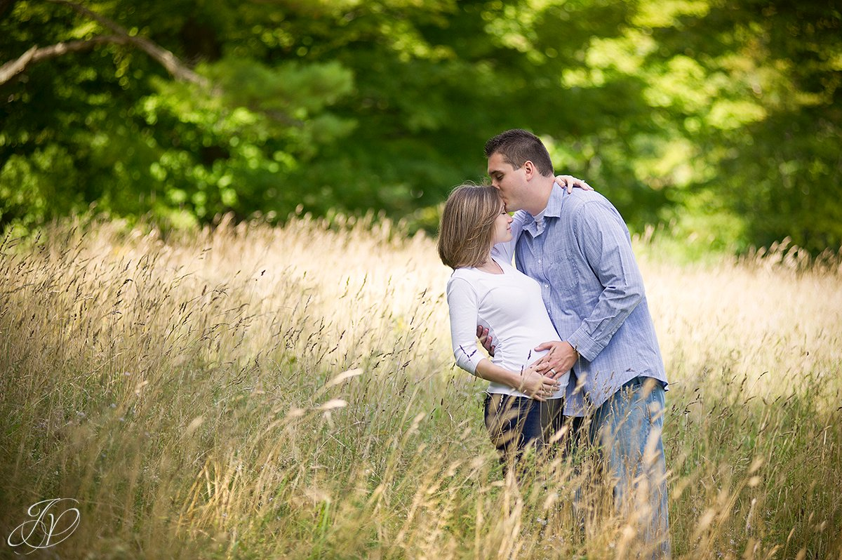 beautiful family on loccation maternity session, albany maternity photography, albany maternity photographer, john boyd thacher state park