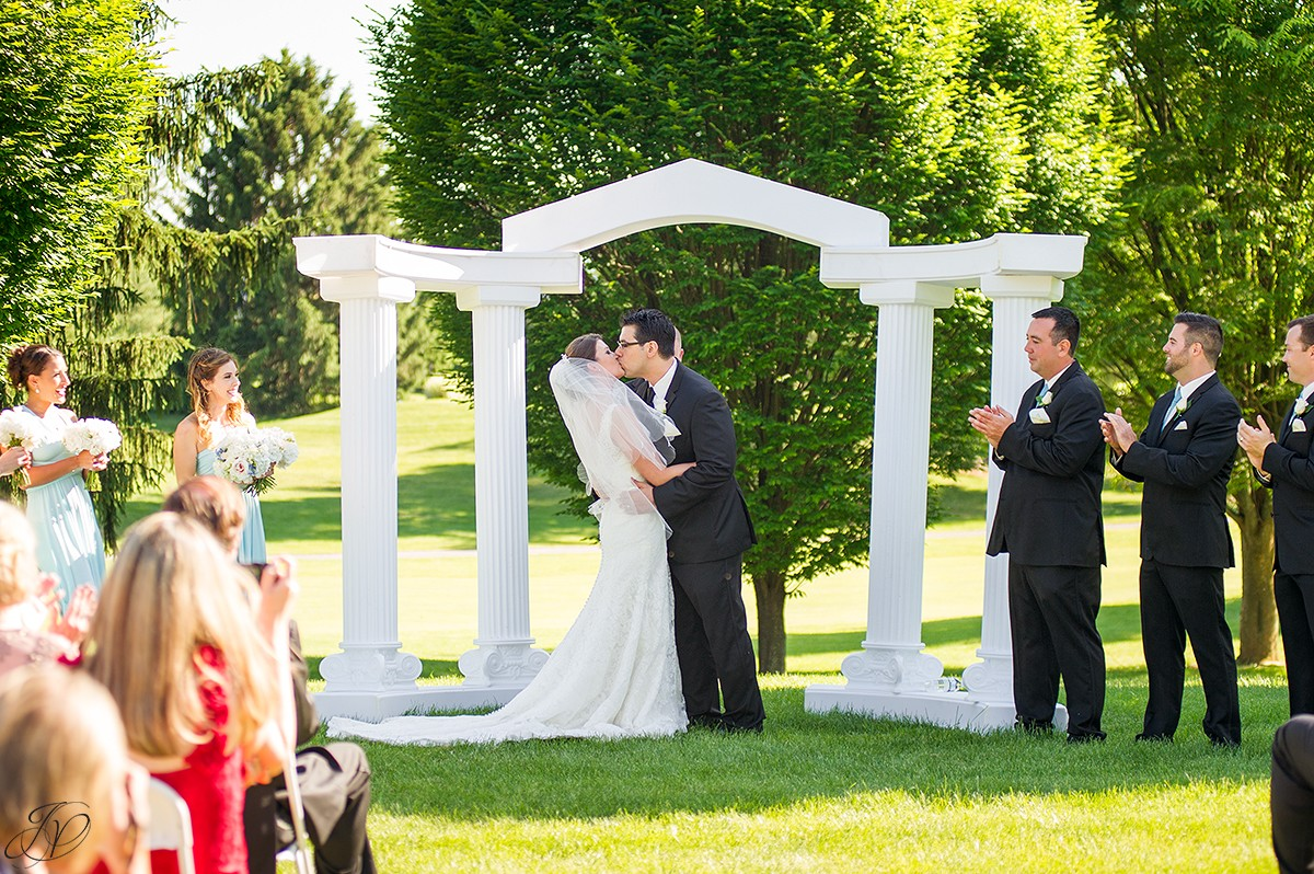 first kiss wedding ceremony at Shenandoah valley golf club