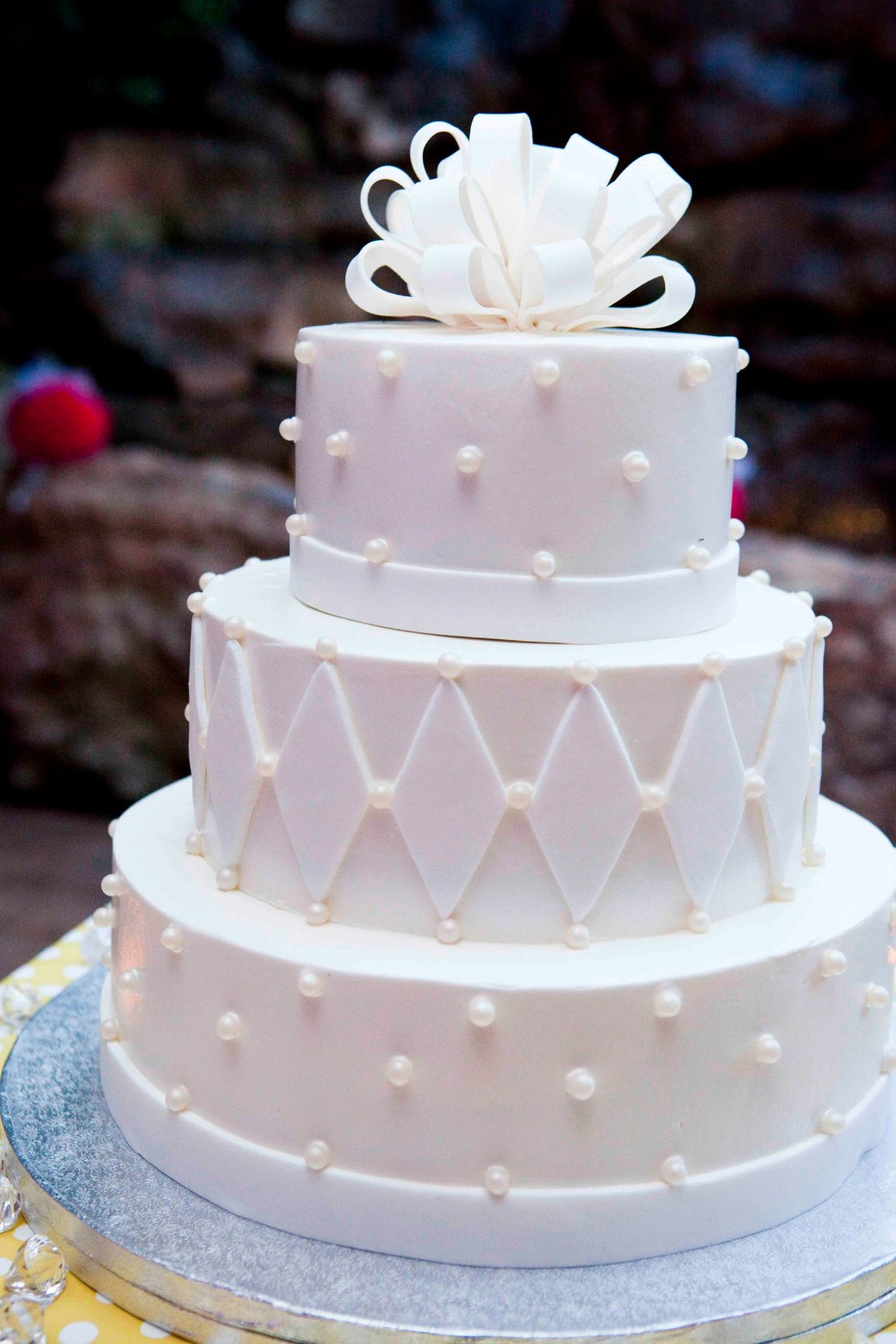 Gallery For Simple Traditional White Wedding Cake