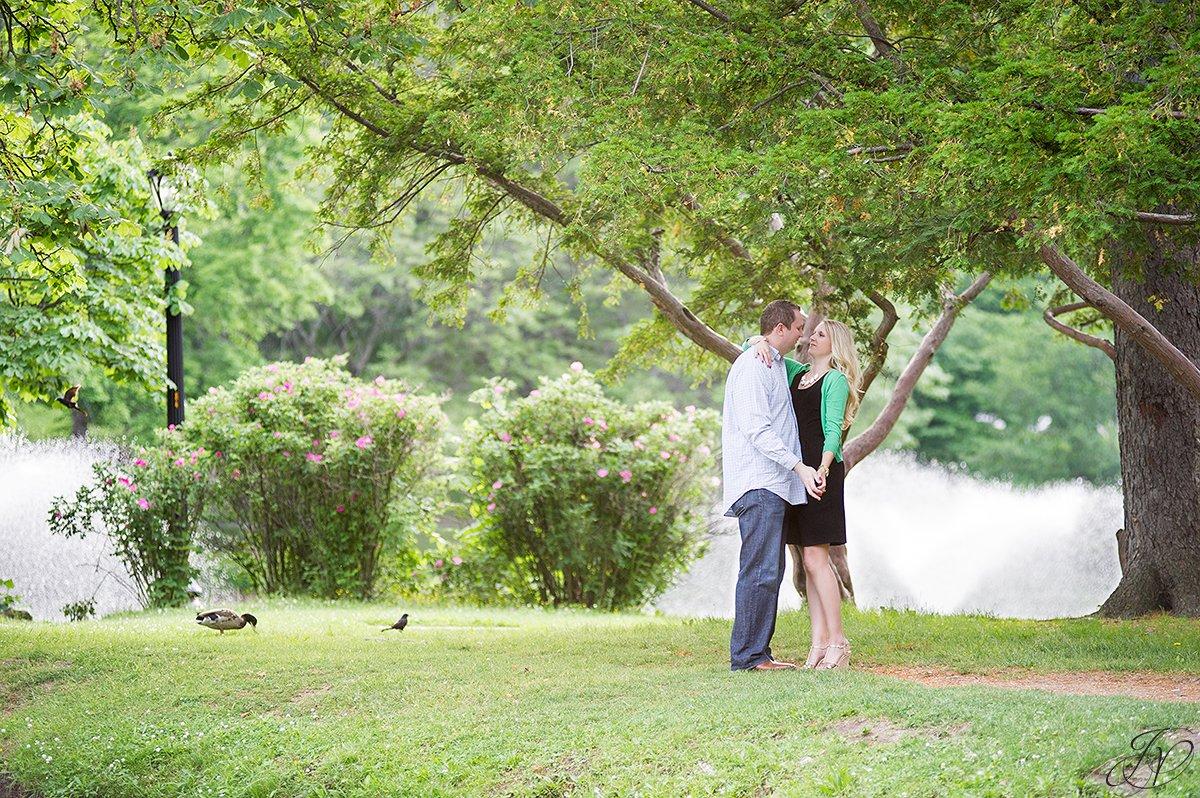 romantic couple in washington park albany ny